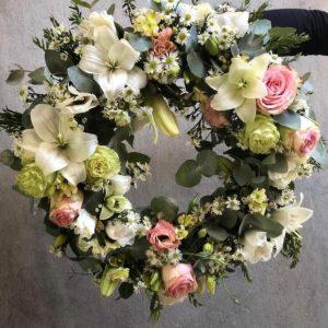Corona de flores para condolencias